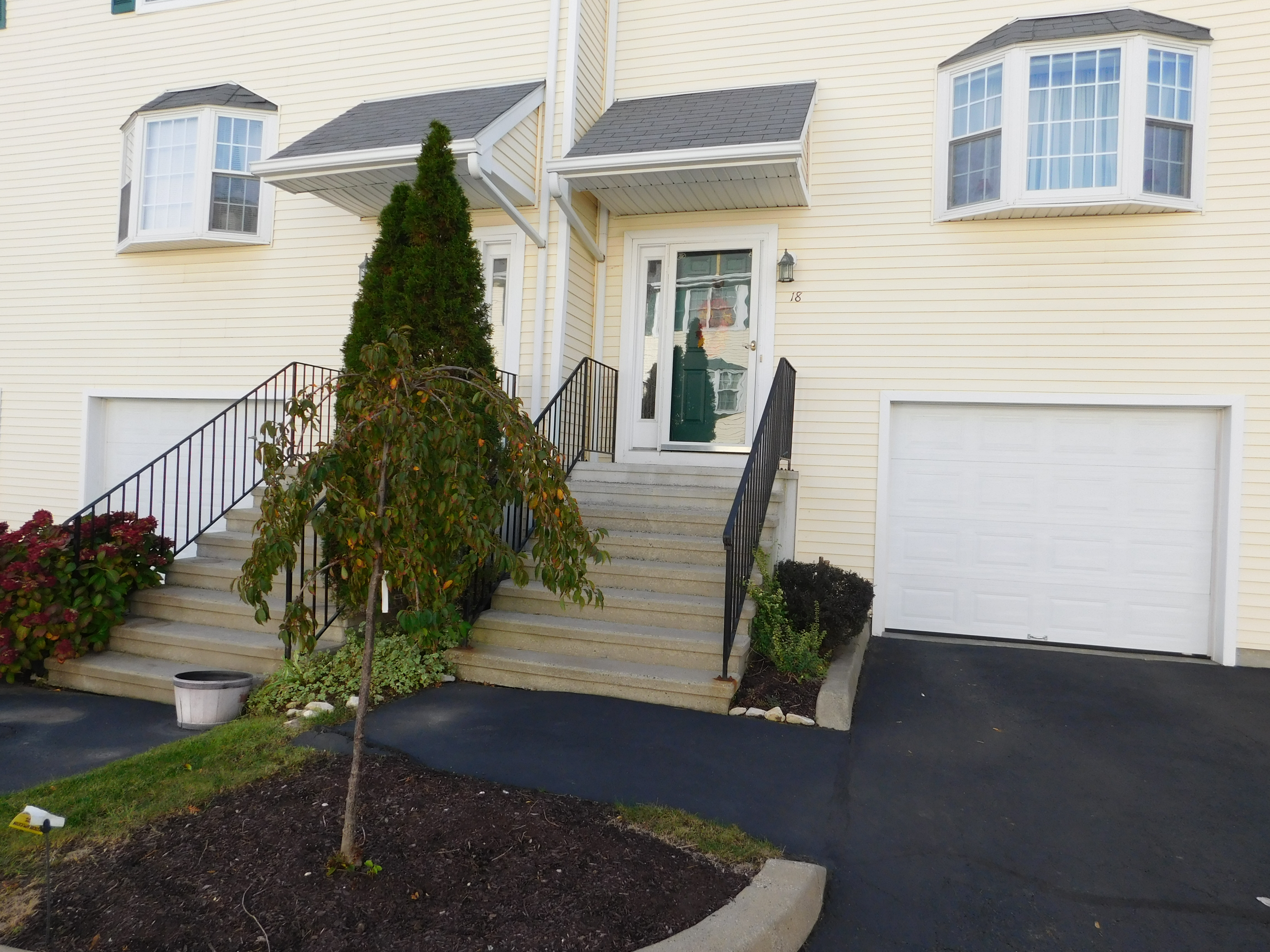 Modern 2 Bedroom Townhomes In Downtown Danbury,CT