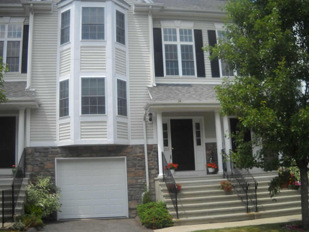 Homes In Sterling Woods Danbury,CT Luxury Townhomes