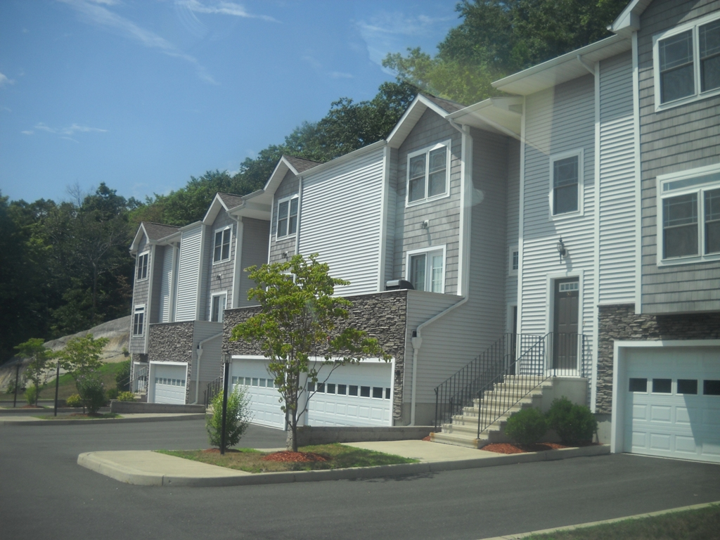 Stetson Place Luxury Townhomes In The Pembroke Area In