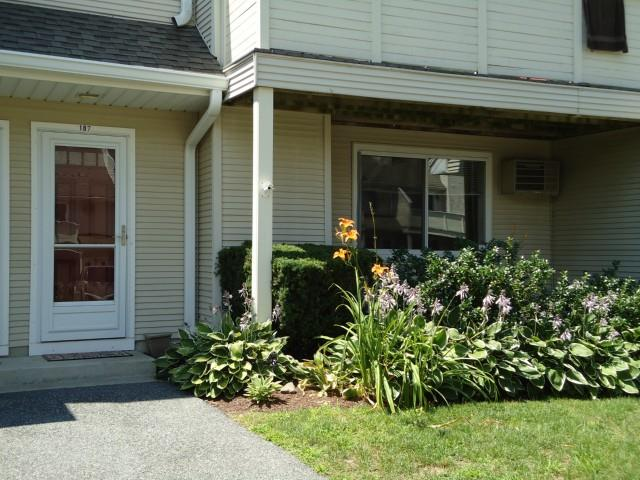 Condos in New Milford,CT-Willow Springs